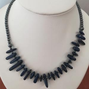 collier lapis-lazuli et hématite